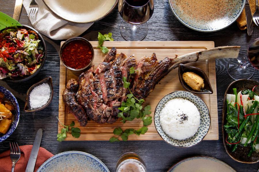 Dining by the Landmarks: Bondi Beach