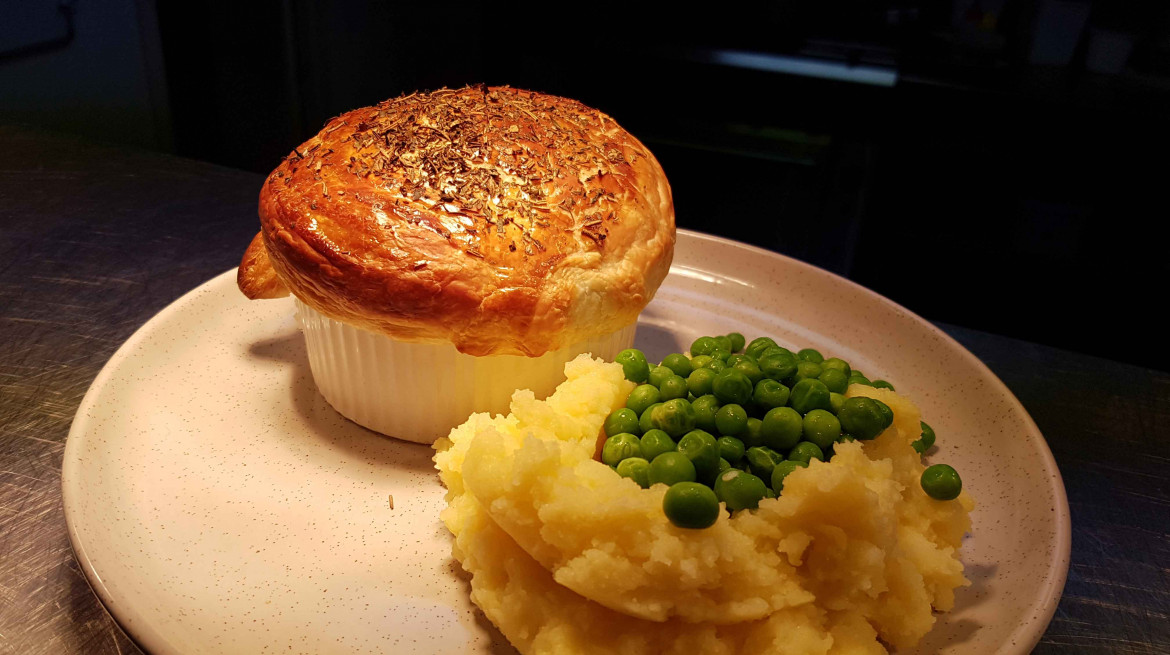 quadrant beef guinness pie