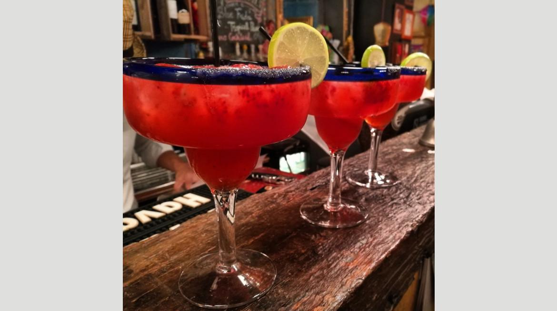 besos latinos cocktails