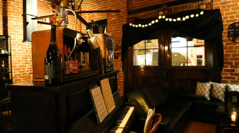 gaslight piano