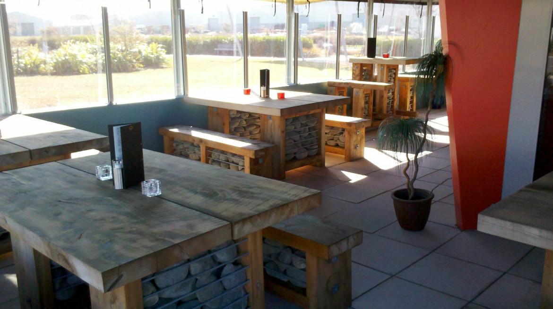 cafe izone beer garden