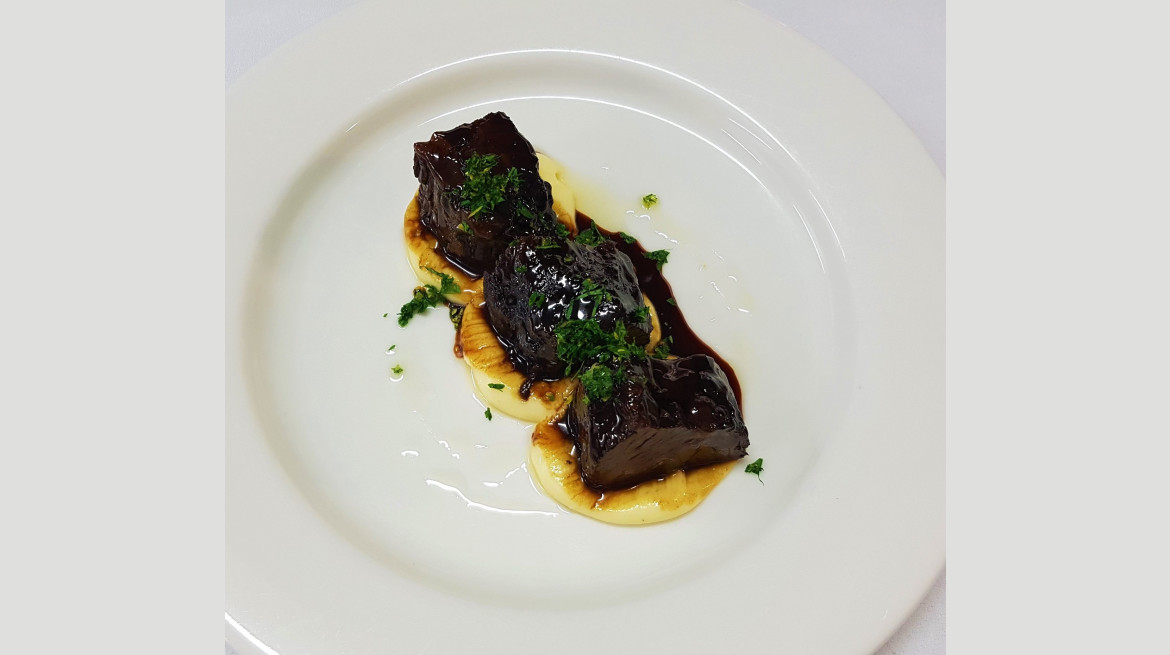 alnwut waguy beef cheek