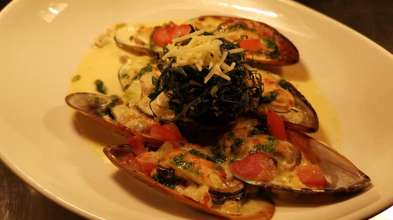 Pilsner Steamed Mussels