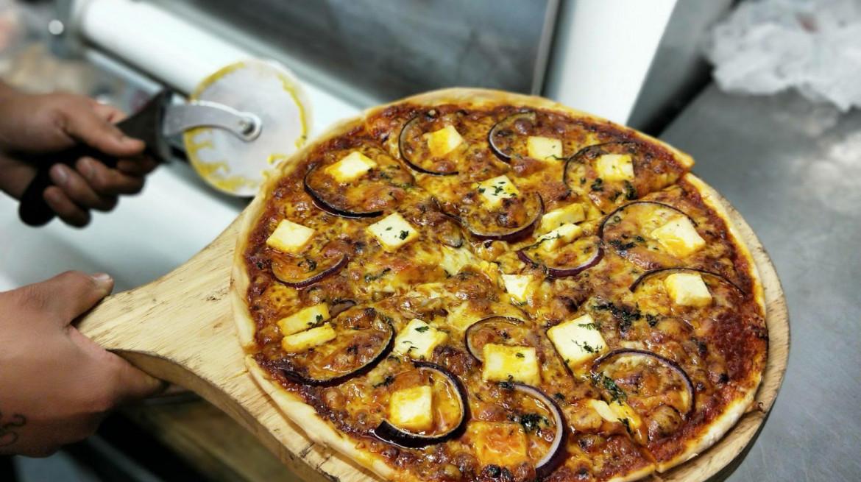 Butter Paneer Pizza