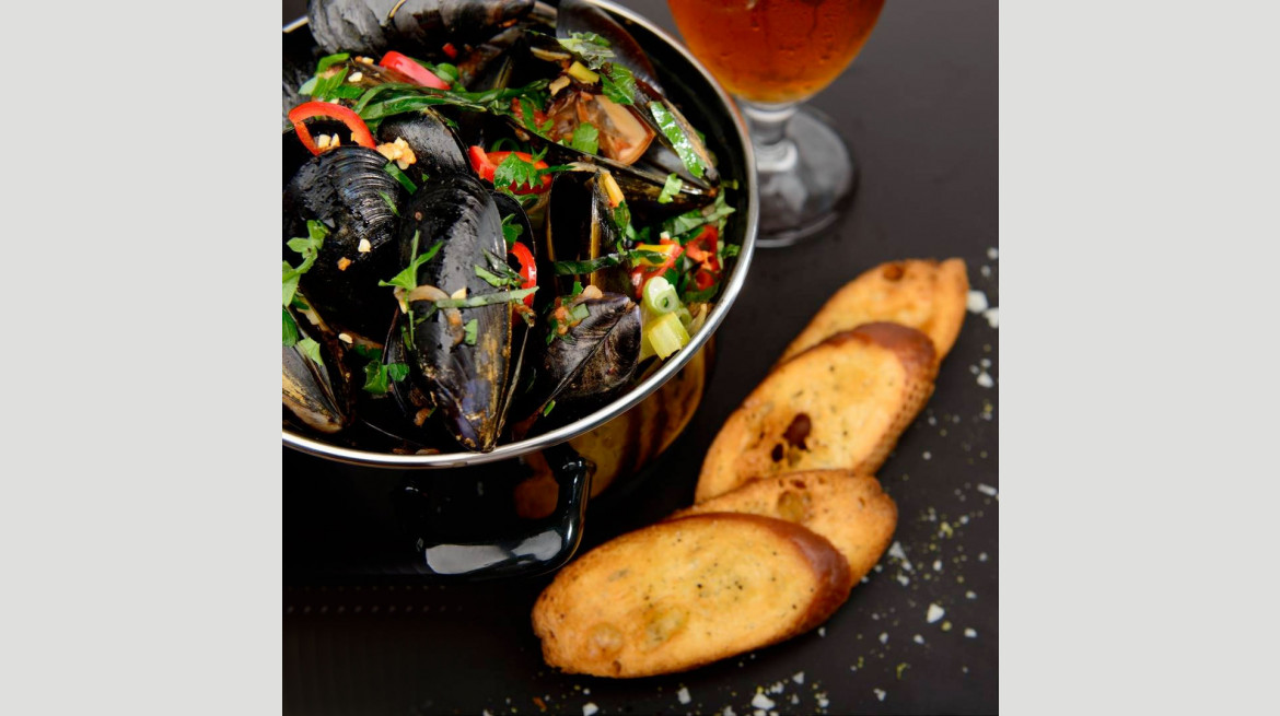 1kg pot of mussels