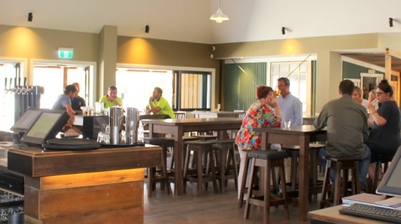 fiveStags bar patrons