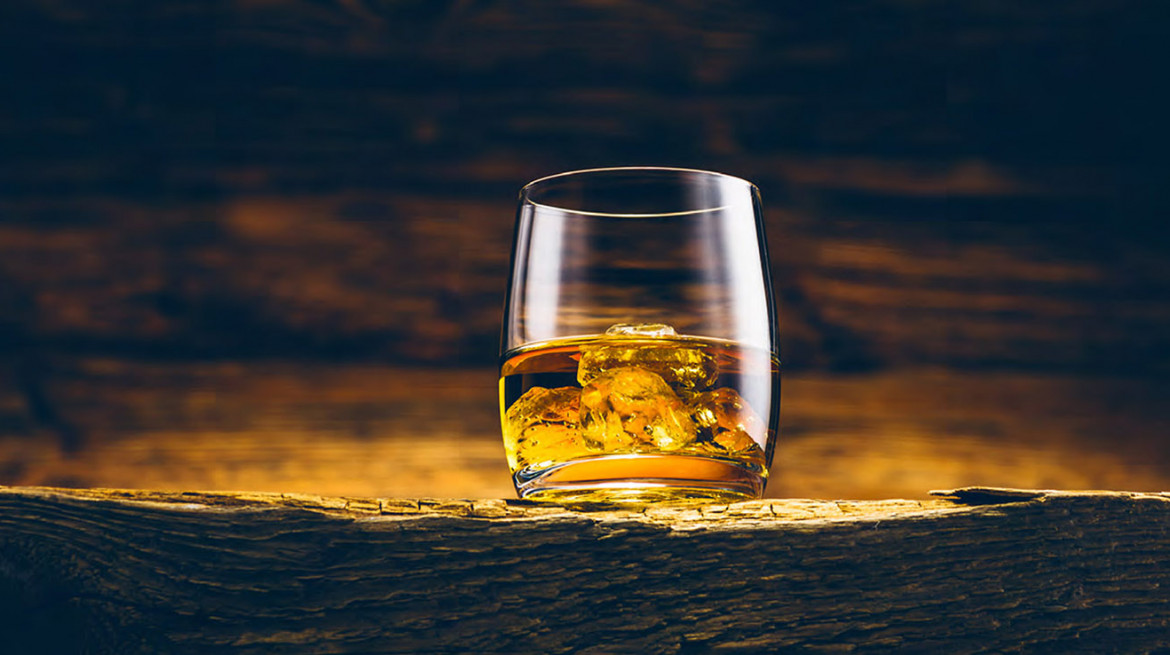 whiskey glass 1920x738