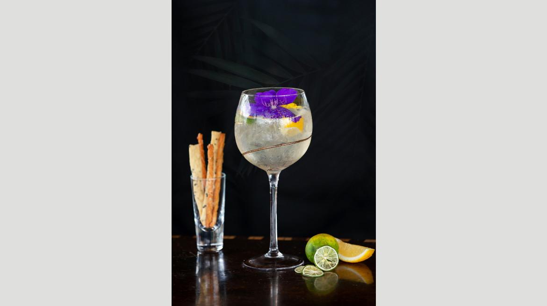 Aperitif Bar Cocktails 02A Flower Carrier