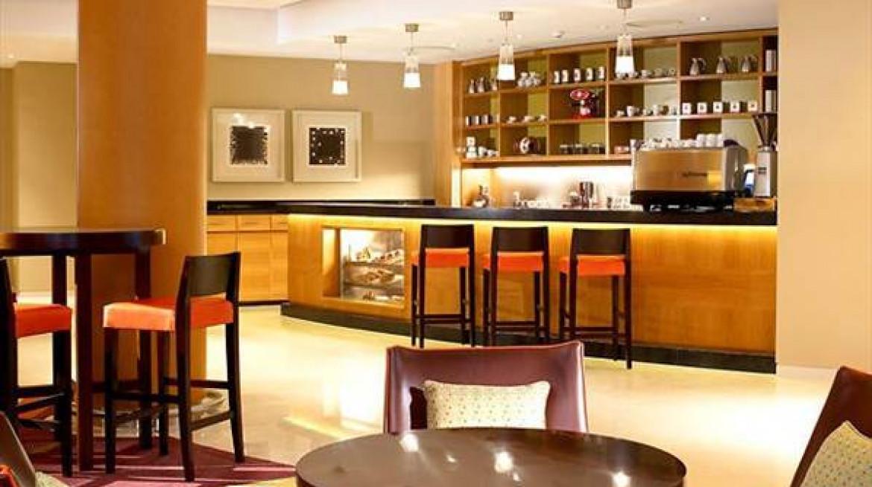 london marriott hotel twickenham hotel cafe 1 caf 3381 lge