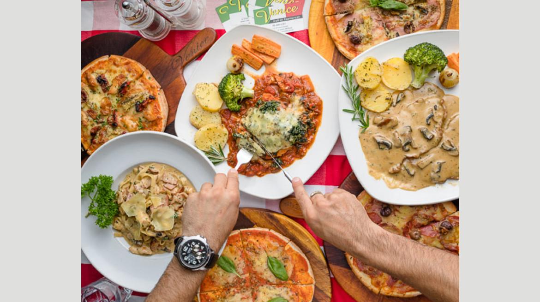 venice Italian Restaurant hero 550 9