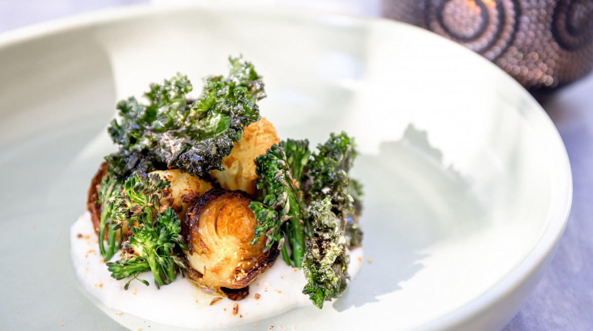 Cauliflower puree brussel sprouts tumeric cauliflower crispy kale July 2019 credit Petra Hughes or regionalfoodie