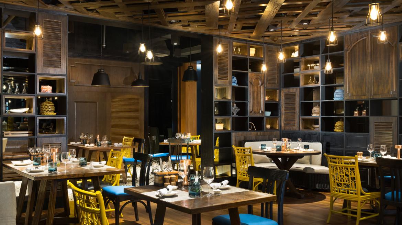 Hotel Indigo Bali Makase neighbourhood cafe 3