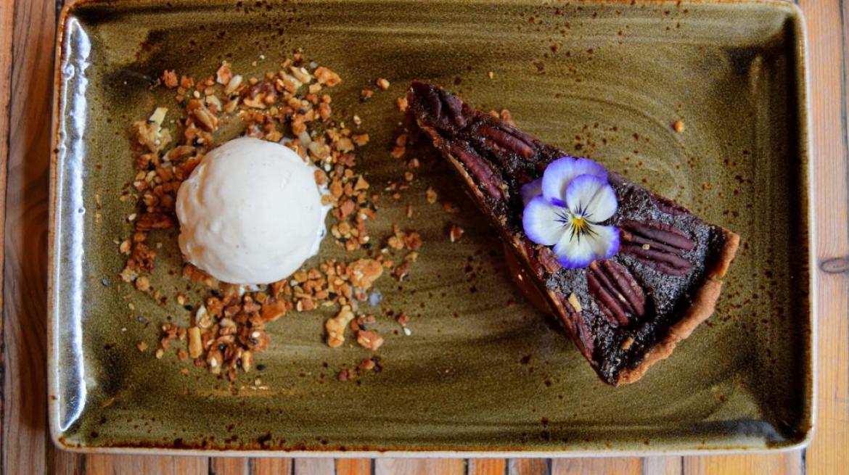 Pecan Pie with vanilla ice cream Photo by Simon Burrell 2 1030x686