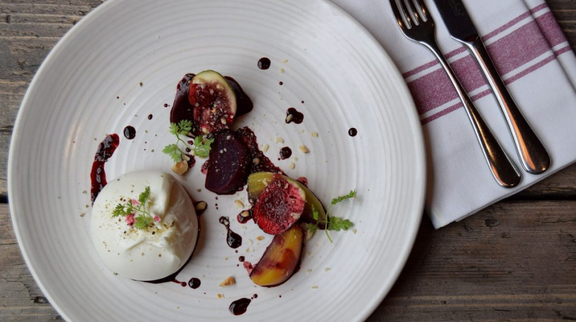Burrata with black figs beetroot hazelnut photo by Simon Burrell 1 1030x686