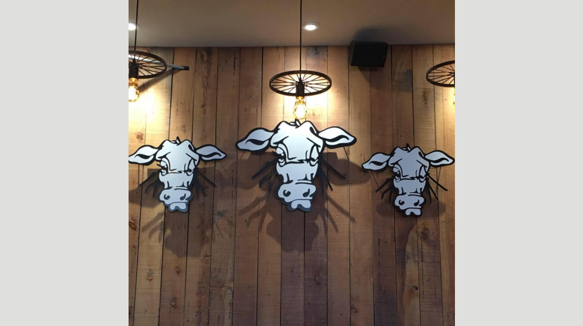 Three Cows inter wall