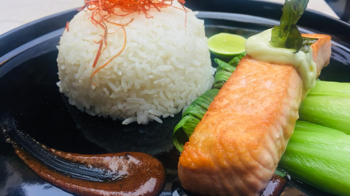 5 v2.GRILLED SALMON WITH TOM YAM SAUCE
