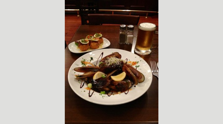 decanta mussels