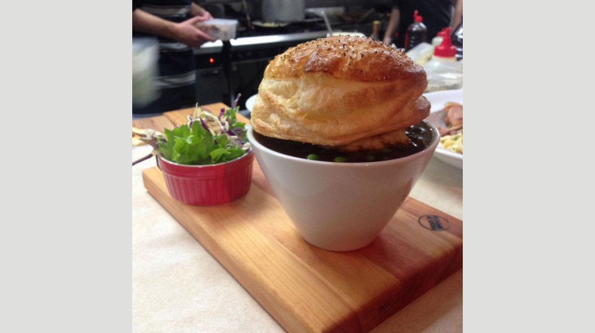 crowded house pot pie new plymouth