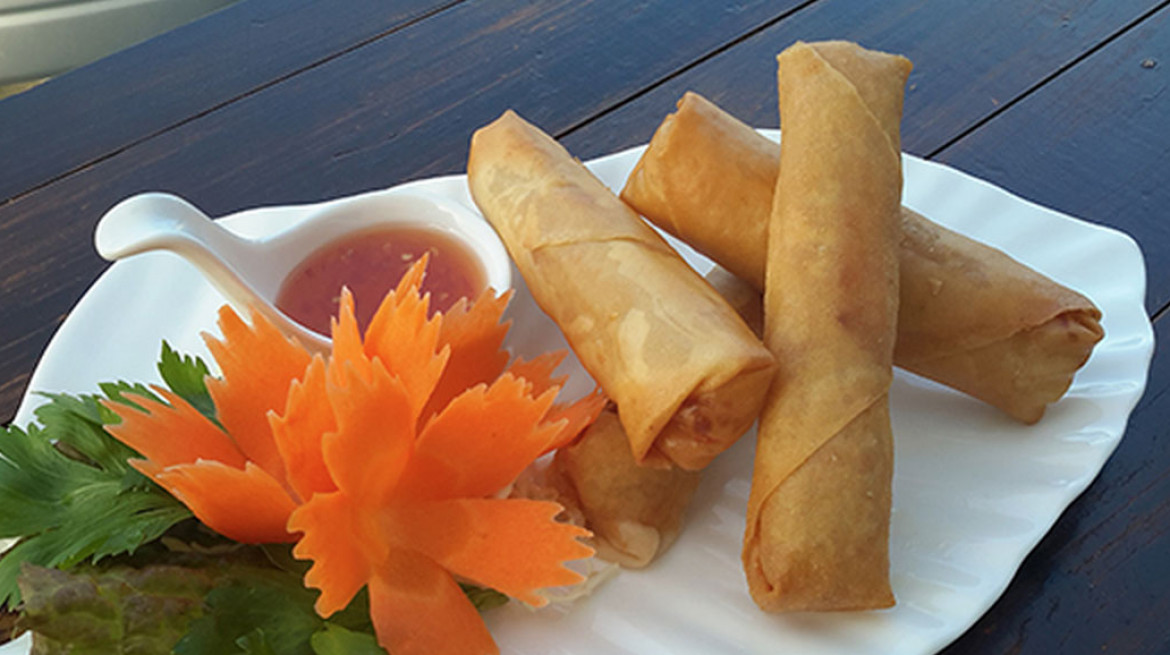 red elephant spring roll