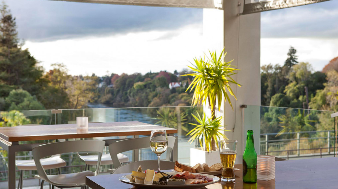 ibistro balcony view hamilton nz