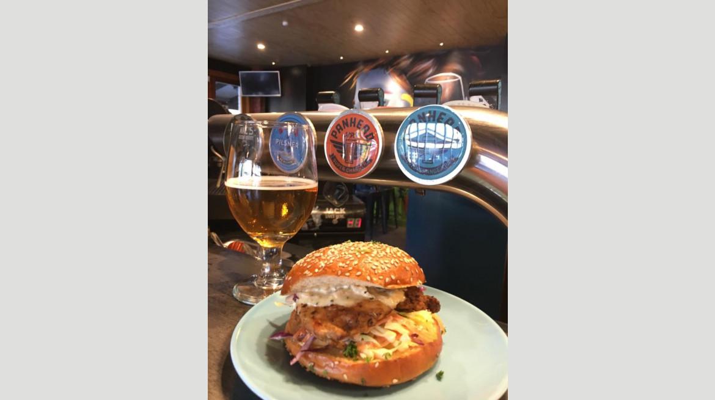 craft burger pint