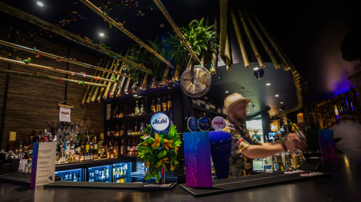 blue kanu tiki bar