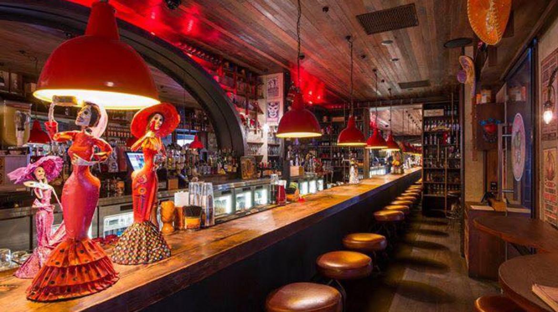 los villanos bar