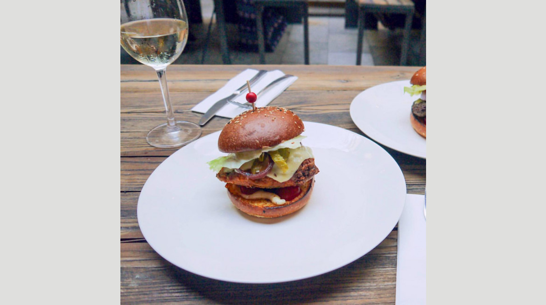 veerybodys burger